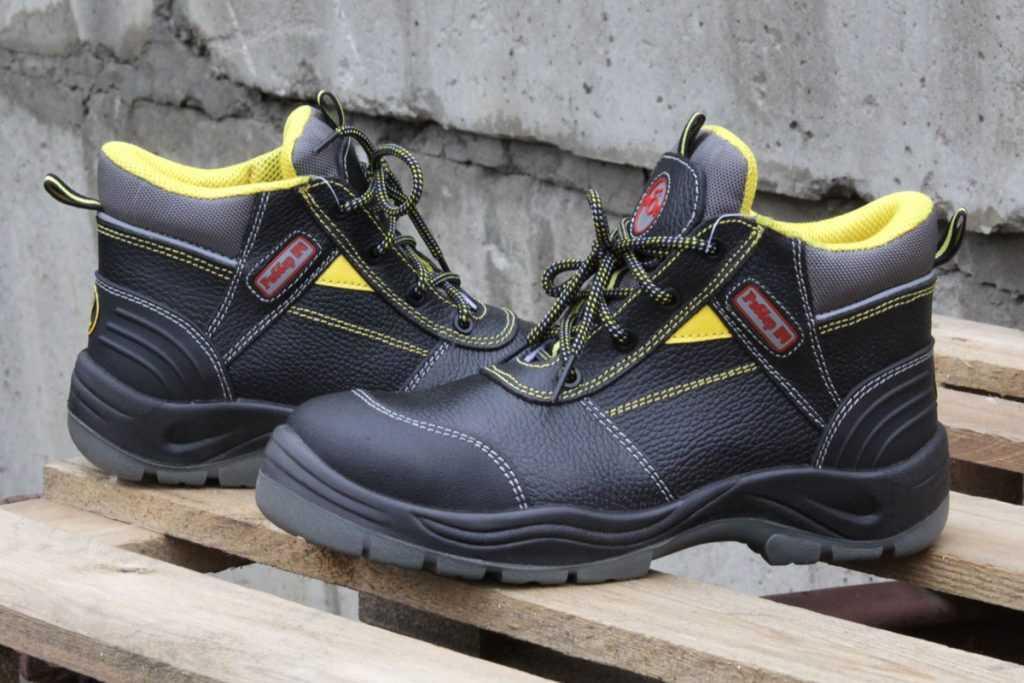Рабочая обувь: особенности и выбор